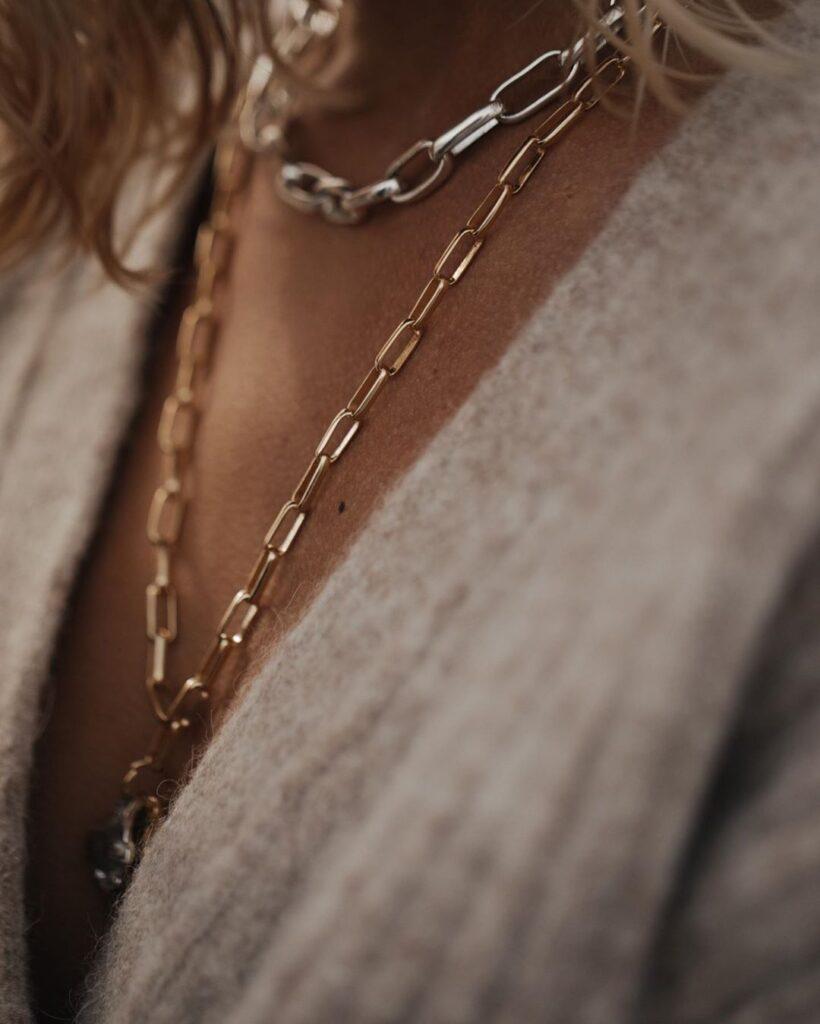złoty łańcuch piękna biżuteria
