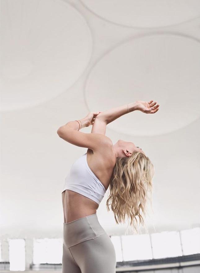 dynamiczna joga joga studio jogi