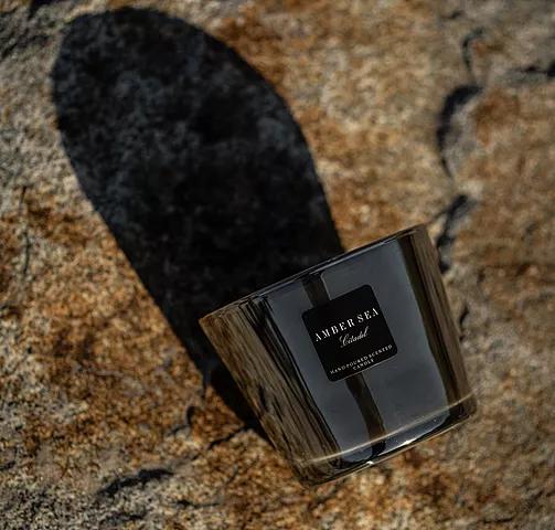 elegancka świeca, zmysłowy zapach, zapach dodomu, piękna świeca