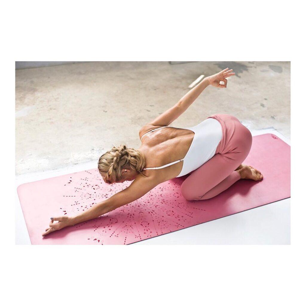 dynamiczna joga joga studio jogi zdrowie