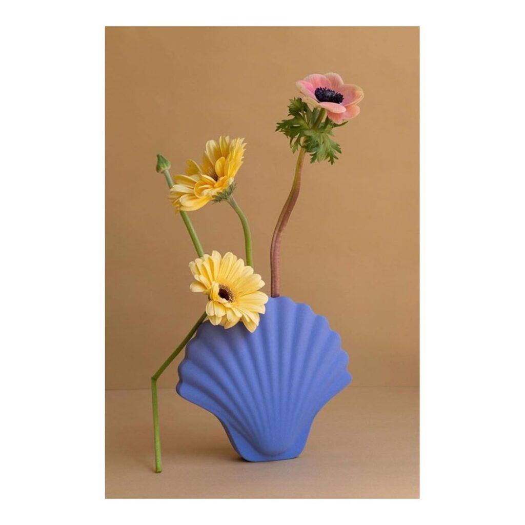 nomad sztuka rzemiosło piękne dodatki dodomu piękny wazon wkształcie muszli kobaltowy wazon niebieski