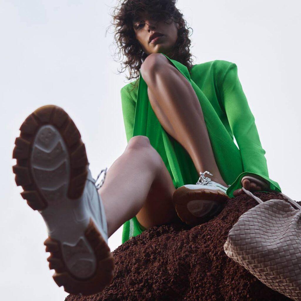 CCC, letnie buty, buty nalato, sandały, piękna torebka, klapki, moda nalato 2021, co będzie modne, adidasy, buty sportowe, beżowe buty